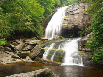 waterfalls and nature hikes near sweet biscuit inn in asheville